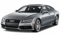 2015 Audi S7 4-door HB Angular Front Exterior View