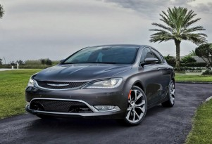 2015 Chrysler 200 leaked