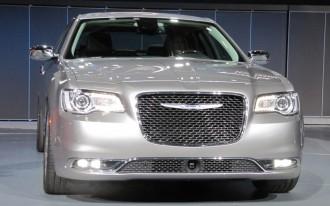 2015 Chrysler 300 Video
