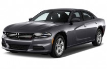 2015 Dodge Charger 4-door Sedan SE RWD Angular Front Exterior View