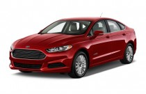 2015 Ford Fusion 4-door Sedan SE Hybrid FWD Angular Front Exterior View