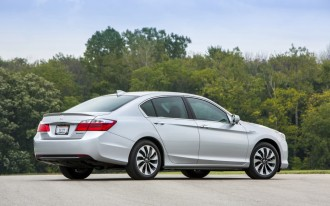 2017 Honda Accord Hybrid To Get Updates; Plug-In Discontinued