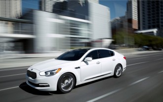 2015 Kia K900 Video Road Test