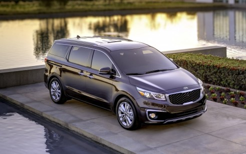 2015 kia sedona vs chrysler town country dodge grand. Black Bedroom Furniture Sets. Home Design Ideas