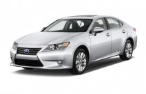 2015 Lexus ES 300h 4-door Sedan Hybrid Angular Front Exterior View