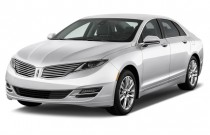2015 Lincoln MKZ 4-door Sedan FWD Angular Front Exterior View