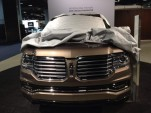 2015 Lincoln Navigator front end, posted by Twitter user @CliffordAtiyeh