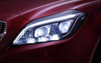 Luxury vehicles flub headlight test, yet Toyota Prius V shines