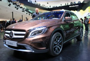 Daimler Plans 3-Cylinder Engines For Future Compact Hybrids