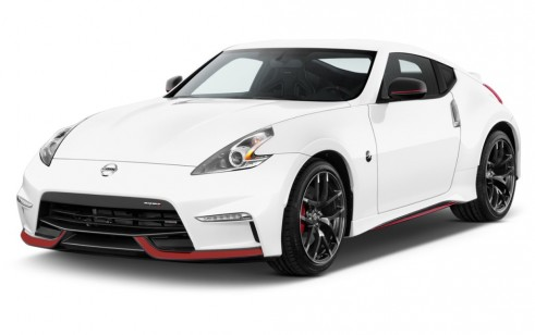 2015 Nissan 370Z 2-door Coupe Auto NISMO Angular Front Exterior View