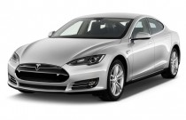 2015 Tesla Model S 4-door Sedan AWD 85D Angular Front Exterior View