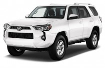 2015 Toyota 4Runner RWD 4-door V6 SR5 (Natl) Angular Front Exterior View