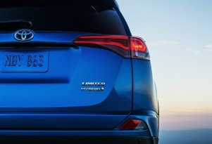 2016 Toyota RAV4 Hybrid To Launch At New York Auto Show