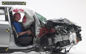 2015 Toyota RAV4, IIHS small front overlap crash test