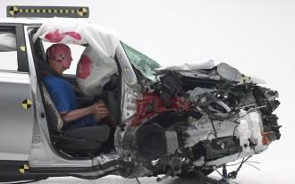 Hyundai Tucson, Toyota RAV4 protect passengers very differently in new IIHS tests: video [UPDATED]