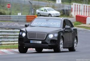 2017 Bentley Bentayga spy shots - Image via S. Baldauf/SB-Medien
