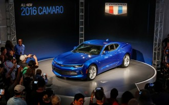 Leaf Vs. e-Golf, Can Uber Survive, 2016 Camaro Convertible: What's New @ The Car Connection