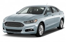 2016 Ford Fusion Energi 4-door Sedan Titanium Angular Front Exterior View