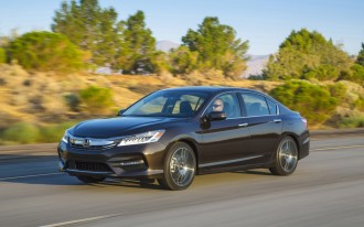 2017 Honda Accord Vs Nissan Altima Compare Cars