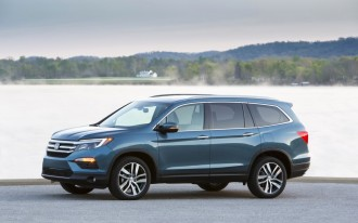 2017 Honda Pilot Vs Toyota Highlander Compare Cars