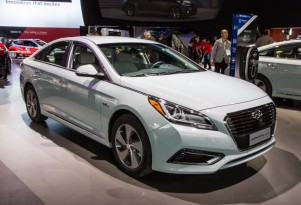 2016 Hyundai Sonata Hybrid & Plug-In Hybrid Debut At 2015 Detroit Auto Show