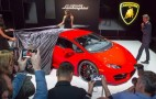 Rear-Wheel-Drive Lamborghini Huracán LP 580-2 Revealed