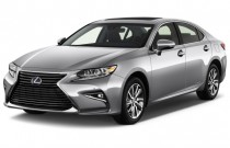 2016 Lexus ES 300h 4-door Sedan Hybrid Angular Front Exterior View