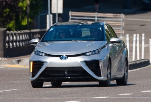 Is Toyota's hydrogen fuel-cell fervor foolish, or foresighted? (with charts)