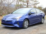Toyota changes course, offers to share hybrid technology with rivals