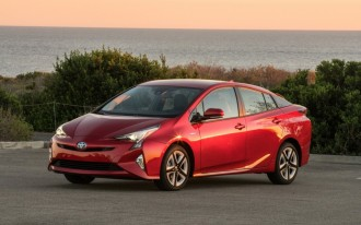 2016 Toyota Prius crash-tested, earns top safety ratings
