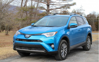 Toyota RAV4 Hybrid, BMW M, Chrysler Pacifica Hybrid: What's New @ The Car Connection