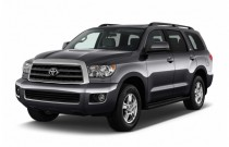 2016 Toyota Sequoia 4WD 5.7L SR5 (Natl) Angular Front Exterior View