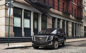 Cadillac targets Lincoln, offers $10,000 discount on 2018 Escalade SUV