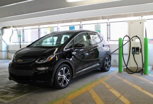 Self-driving Leaf, Cruze Diesel drive, fast-charging Bolt EV, Tesla loses court case: The Week in Reverse
