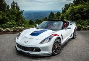 2017 Chevrolet Corvette Grand Sport, white