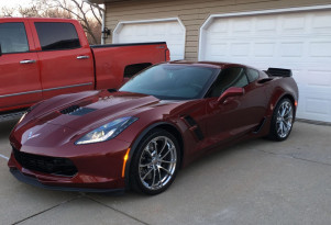 Totaled Corvette Grand Sport with cracked frame Photo: Corvette Forum/CDM85-251