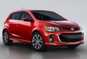 2017 Chevrolet Sonic updated with CarPlay, new styling