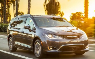2017 Chrysler Pacifica Hybrid recalled for diode issue