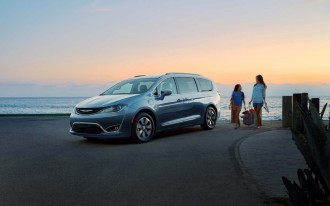 2017 Chrysler Pacifica Limited long-term road test: gas mileage update