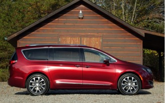 Chrysler Pacifica long-termer, GM's Opel sold, Lexus hybrids: What's New @ The Car Connection