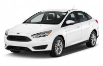 2017 Ford Focus SE Sedan Angular Front Exterior View