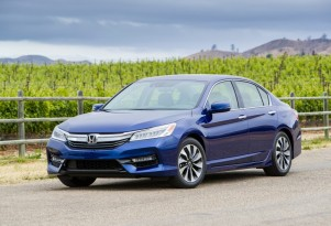 Explaining how Honda Accord Hybrid system works: video