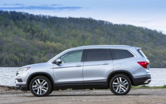 2017 Honda Pilot vs. 2017 Nissan Pathfinder: Compare Cars