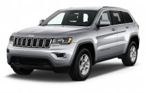 2017 Jeep Grand Cherokee Laredo 4x2 Angular Front Exterior View
