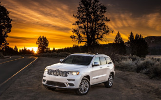 Partially self-driving 2020 Jeep Grand Cherokee may drive itself to the trailhead
