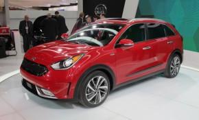4059b9798ac 2017 Kia Niro Hybrid Crossover Utility Vehicle Debuts At Chicago Auto Show   Live Photos   Video