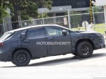 Lexus RX with third-row seats spy shots - Image via S. Baldauf/SB-Medien