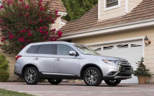 2017 Mitsubishi Outlander vs Chevrolet Equinox, Dodge Journey, Honda CR-V, Subaru Forester