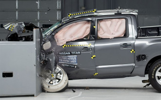 Nissan Titan performs well in latest IIHS crash-testing
