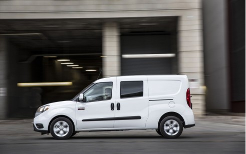 2018 Ram Promaster City Vs Ford Transit Connect Wagon Mercedes Benz Metris The Car Connection
